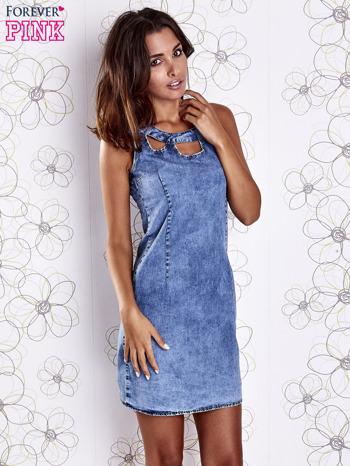 Niebieska jeansowa sukienka z wycięciami                                  zdj.                                  3