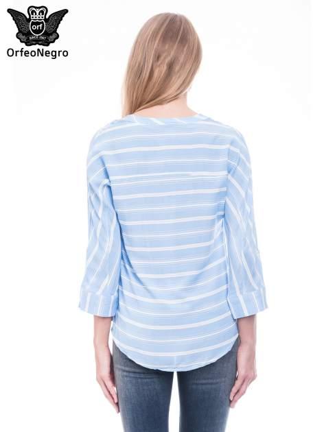 Niebieska koszula w paski z rękawem 3/4                                  zdj.                                  4