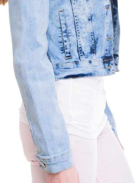 Niebieska kurtka jeansowa damska z cieniowaniem                                  zdj.                                  6