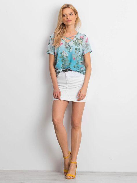 Niebieska kwiatowa bluzka z paseczkami                              zdj.                              4