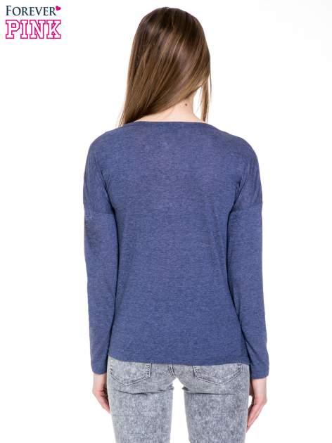 Niebieska melanżowa bawełniana bluzka z dekoltem typu woda                                  zdj.                                  4