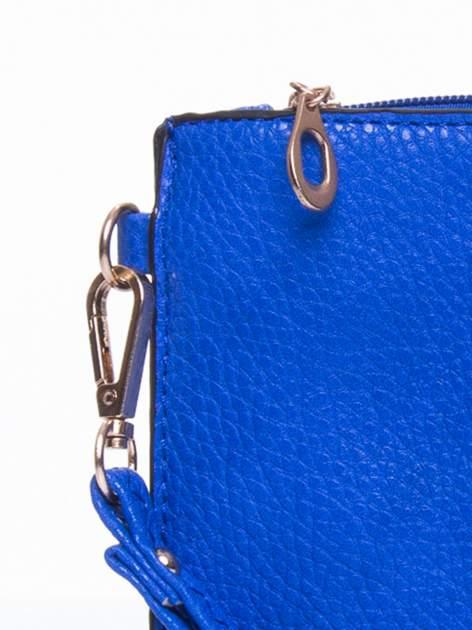 Niebieska prosta przewieszana torebka z uchwytem                                  zdj.                                  6
