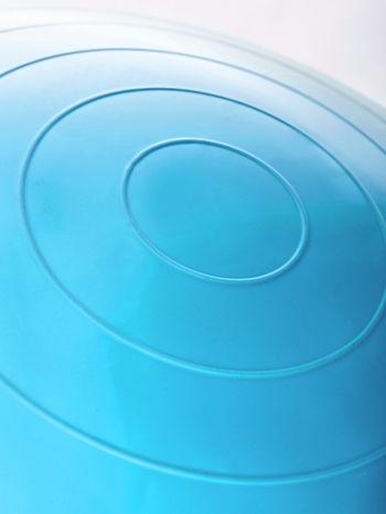 Niebieska średnia piłka do fitnessu                                  zdj.                                  5