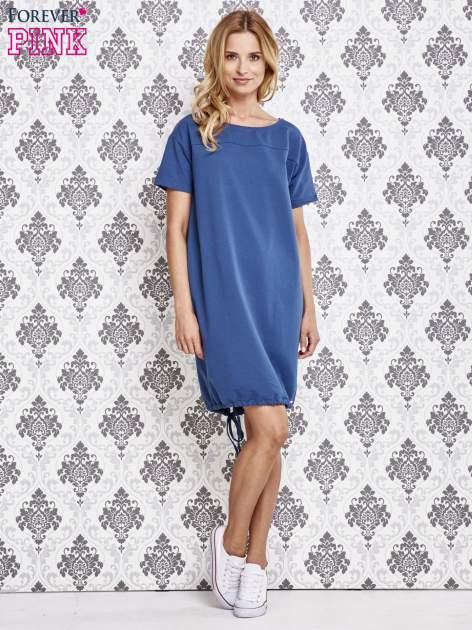 Niebieska sukienka dresowa ze ściągaczem na dole                                  zdj.                                  2
