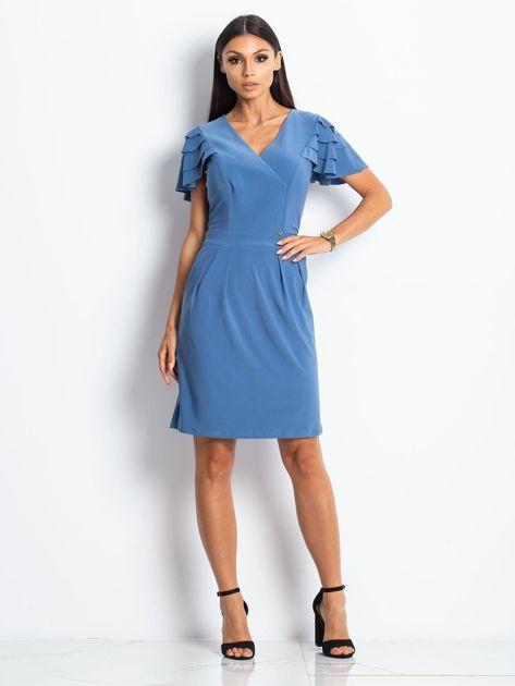 Niebieska sukienka koktajlowa z falbankami na rękawach                              zdj.                              2