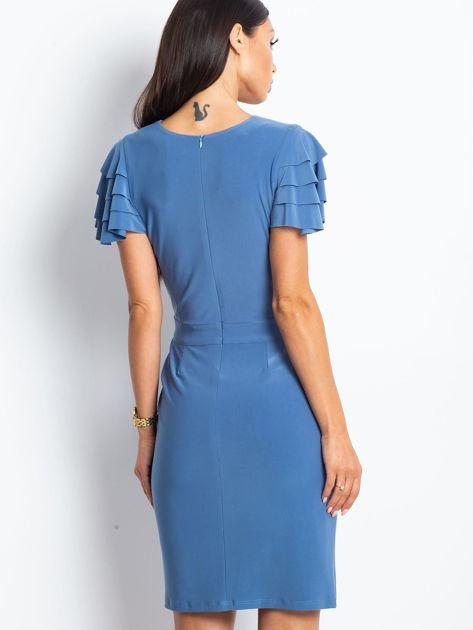 Niebieska sukienka koktajlowa z falbankami na rękawach                              zdj.                              5