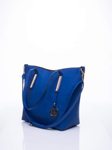 Niebieska torba na ramię ze złotym emblematem                                  zdj.                                  4