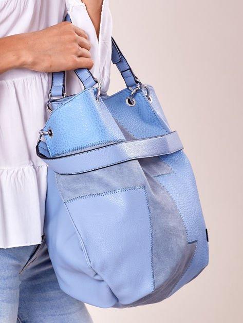 Niebieska torba shopper z geometrycznymi modułami                              zdj.                              2