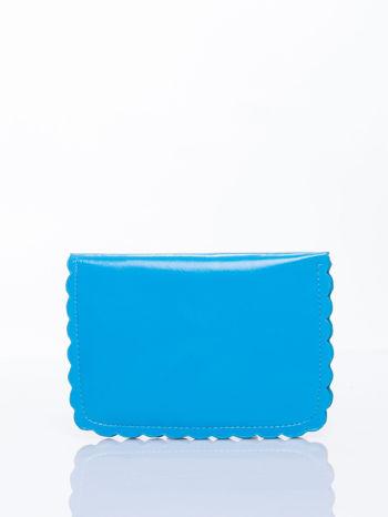 Niebieska torebka listonoszka z falowanym wykończeniem                                  zdj.                                  4