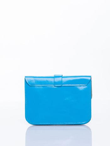 Niebieska torebka listonoszka z klapką                                  zdj.                                  3