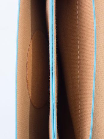 Niebieska torebka listonoszka z klapką                                  zdj.                                  6
