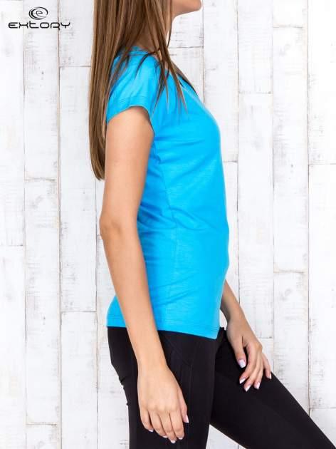 Niebieski damski t-shirt sportowy basic PLUS SIZE                                  zdj.                                  3