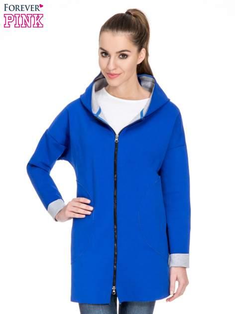 Niebieski dresowy płaszcz oversize z kapturem