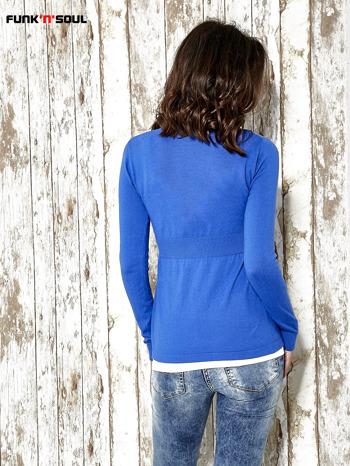 Niebieski sweter zapinany na guziki Funk n Soul                                  zdj.                                  4
