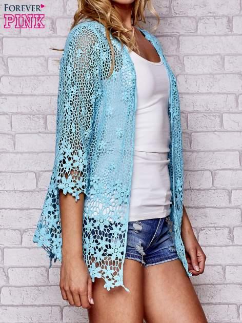 Niebieski szydełkowy otwarty sweterek                                  zdj.                                  3