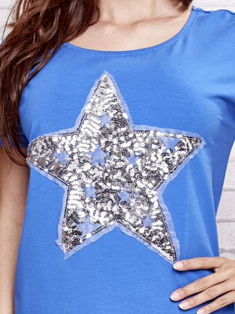 Niebieski t-shirt z gwiazdą z cekinów                                  zdj.                                  5