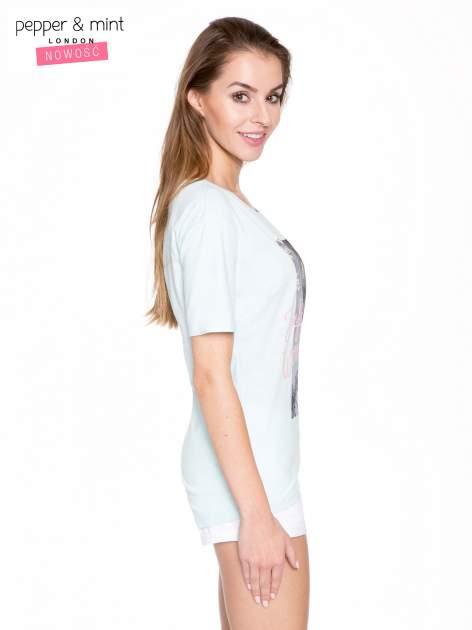 Niebieski t-shirt z romantycznym nadrukiem dziewczyny                                  zdj.                                  3