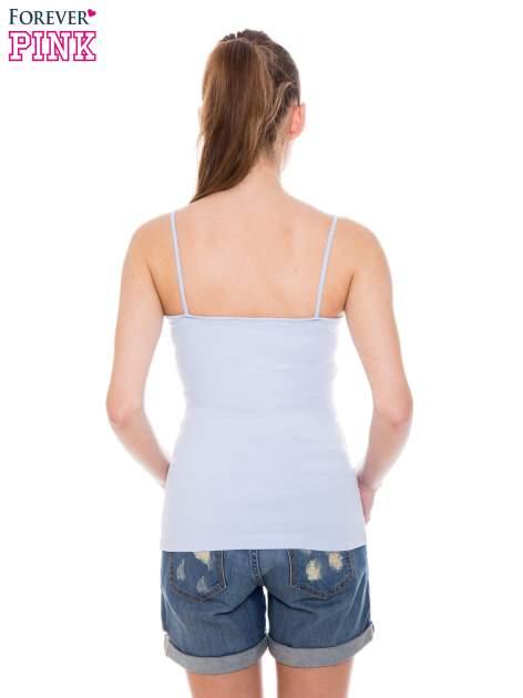 Niebieski top na cienkich ramiączkach                                  zdj.                                  3