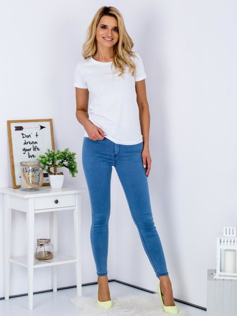 Niebieskie dopasowane jeansy high waist ze stretchem                              zdj.                              4