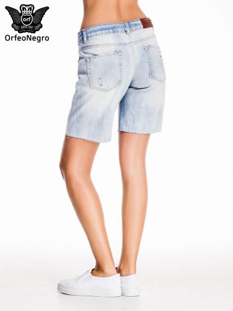 Niebieskie jeansowe szorty a'la bermudy                                  zdj.                                  4