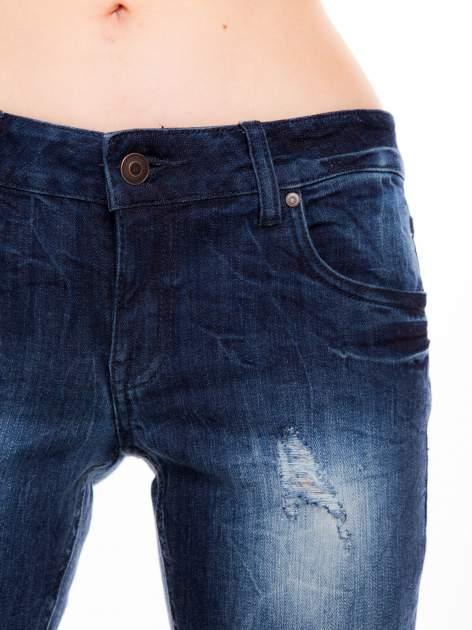 Niebieskie jeansy rurki z cieniowaniem                                  zdj.                                  2
