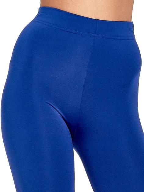 Niebieskie legginsy basic z lekkim ociepleniem                                  zdj.                                  5