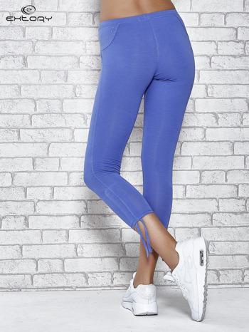 Niebieskie legginsy sportowe 7/8 z wiązaniem                                  zdj.                                  3
