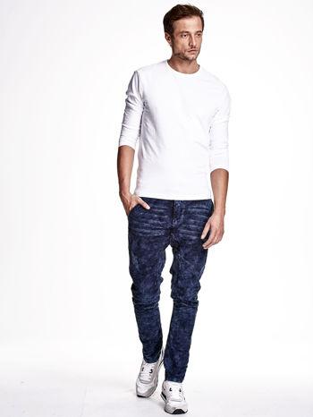 Niebieskie marmurkowe spodnie jeansowe męskie z przeszyciami                                   zdj.                                  4