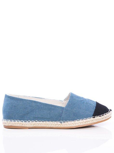 Niebieskie płócienne espadryle z tłoczoną literką na cholewce i czarną wstawką na przodzie buta