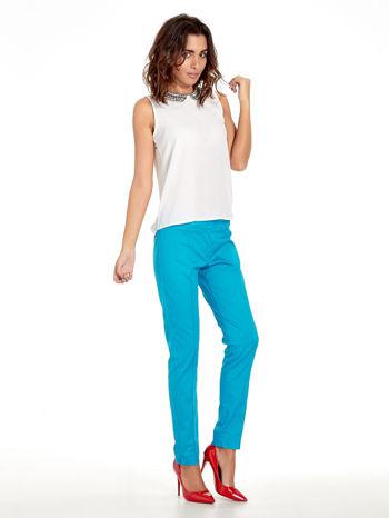 Niebieskie spodnie cygaretki w kant                                  zdj.                                  7