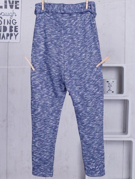 Niebieskie spodnie dresowe dla dziewczynki z wiązaniem                              zdj.                              6