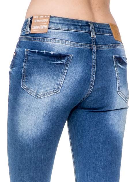 Niebieskie spodnie jeansowe do połowy łydki z przetarciami                                   zdj.                                  6