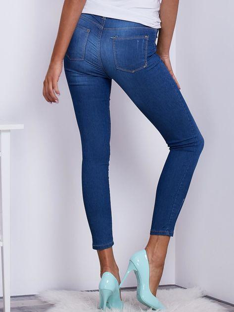 Niebieskie spodnie jeansowe skinny ze stretchem                              zdj.                              2