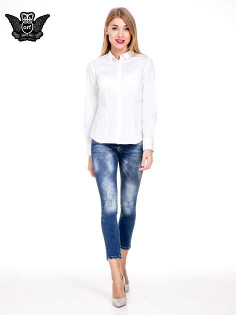 Niebieskie spodnie skinny jeans z cieniowaniem i przetarciami z przodu                                  zdj.                                  4