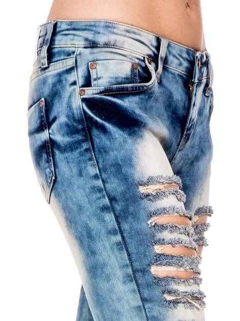 Niebieskie spodnie skinny jeansy z rozdarciami typu cut out                                  zdj.                                  6