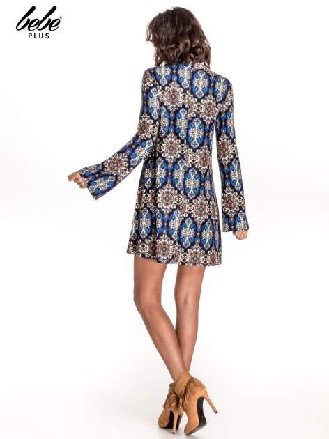 Niebieskie sukienka etno z rozszerzanymi rękawami                                  zdj.                                  3