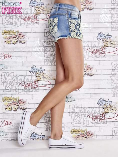 Niebieskie szorty jeansowe z koronką                                  zdj.                                  4