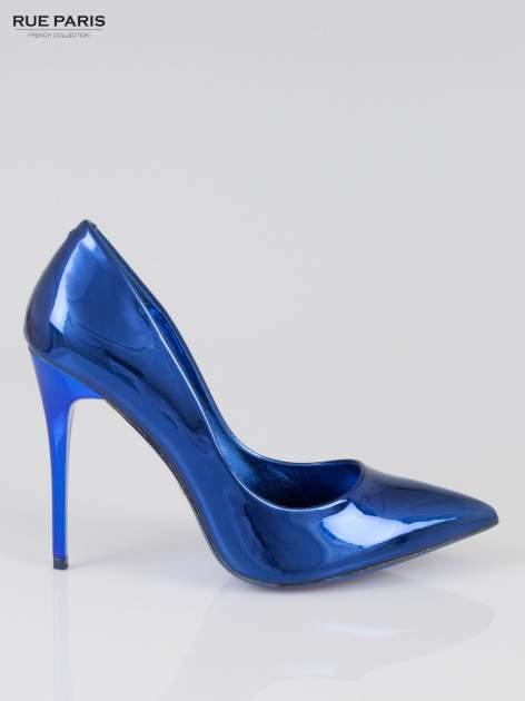 Niebieskie szpilki metaliczne