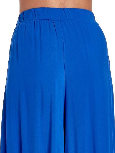 Niebieskie zwiewne spodnie typu culottes                                  zdj.                                  7