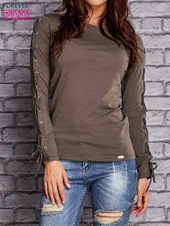 Oliwkowa bluzka z wiązaniem na rękawach                                  zdj.                                  1