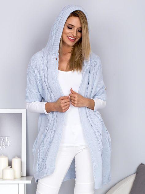 Otwarty sweter z warkoczowym wzorem i kapturem błękitny                              zdj.                              6
