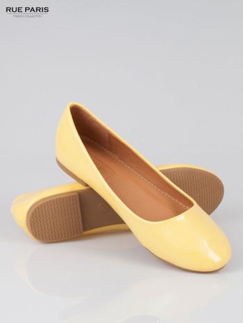 Pastelowożółte lakierowane balerinki Lemon Crush                                  zdj.                                  4