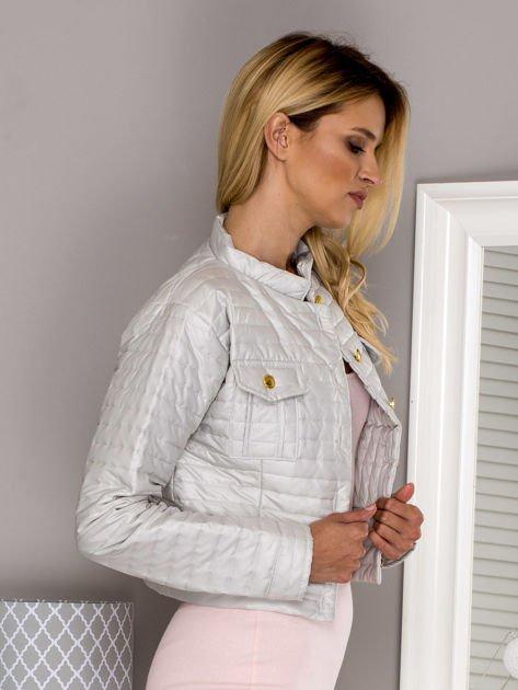 Pikowana krótka kurtka na guziki beżowa                                  zdj.                                  3