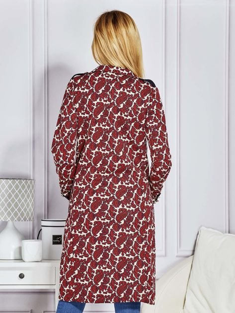 Płaszcz damski w ornamentowe wzory bordowe                              zdj.                              2