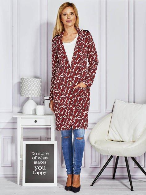 Płaszcz damski w ornamentowe wzory bordowe                              zdj.                              4