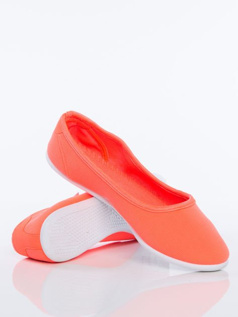 Pomarańczowe gładkie materiałowe baleriny Mellow na białej podeszwie                                  zdj.                                  4