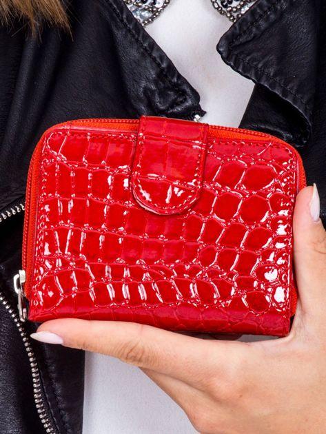 Portfel damski czerwony z tłoczeniem animal skin