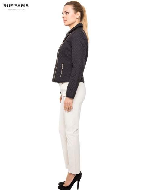 Proste spodnie ecru z paskiem                                  zdj.                                  4