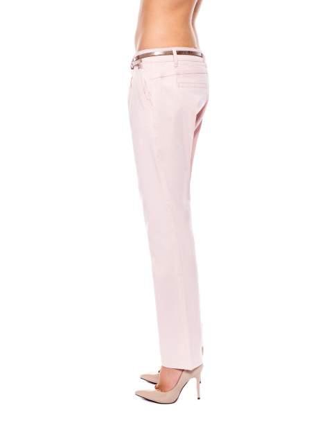 Pudrowe spodnie z paskiem z lakierowanej skóry                                  zdj.                                  2