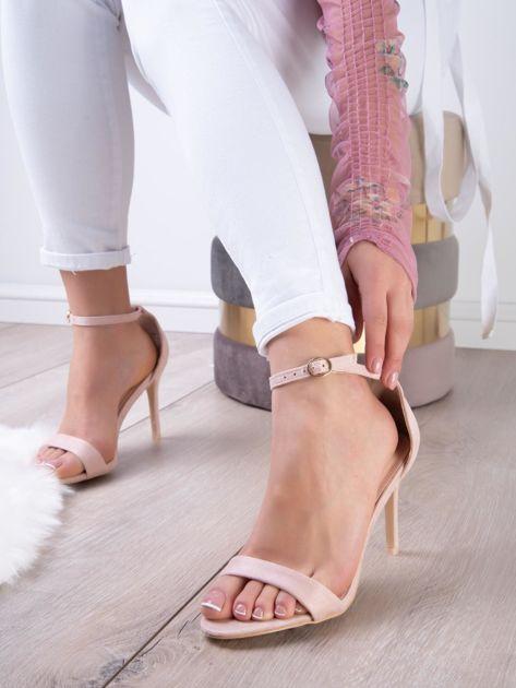 Pudroworóżowe sandały z eco zamszu ze złotą sprzączką                              zdj.                              3